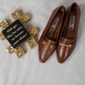 NWOB BRUNO VALENTI brown slip on loafers size 8
